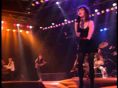 Pat Benatar - Looking For A Stranger - live (and very sexy) :) - best performance - HQ