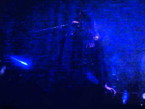 I Break Horses - Berceuse (Live  Wembley Arena London 211113...