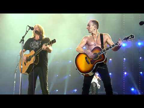 Def Leppard - Two Steps Behind (Live @ The M.E.N Arena, Manchester, UK, Dec 2011) [HD]
