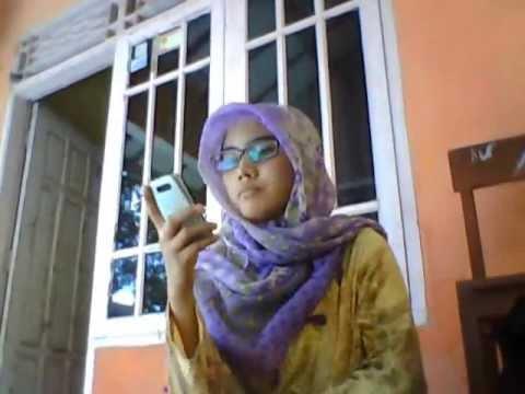 Perempuan Berjilbab Vs Binatang Narsis video