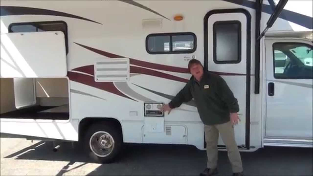 Used Class C Motorhome 2010 Coachmen Freelander 21qb Youtube