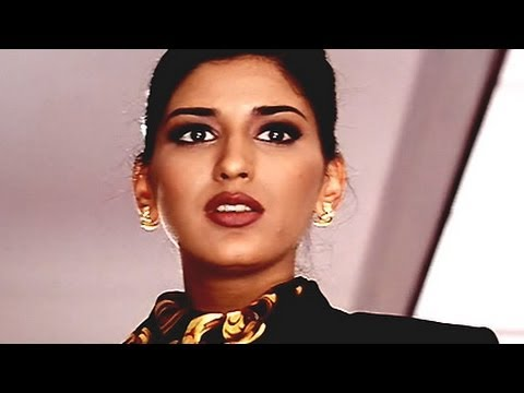 Sonali Bendre as Air Hostess - Sapoot Scene