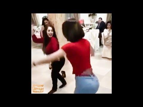 Девушки Танцуют От Души Зажигают Лезгинку