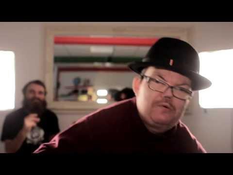 "Raske Penge & TopGunn: ""Dolly"" (officiel hygge video 2012)"