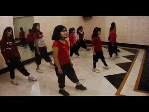 Kids Dancing On Song Fully Faltu By Lakshya Dance Unlimited,dance Classes In Gurgaon video
