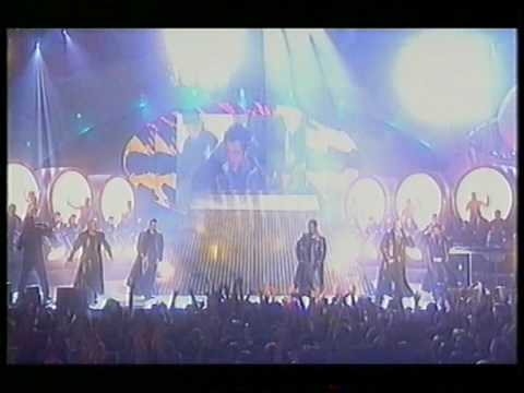 Queen + 5ive - We Will Rock You (Brit Awards 2000)