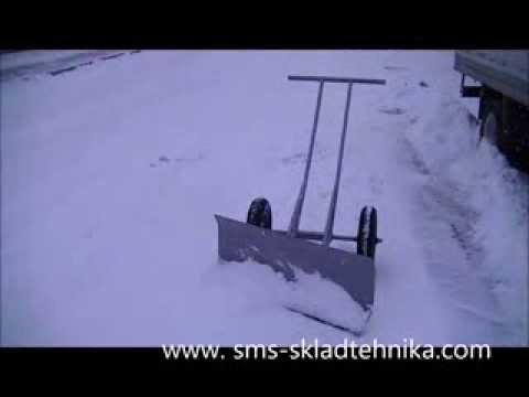 Лопата с колесом для уборки снега своими