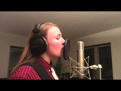 All'alba Sorgero - Let it go from frozen (Italian version) Cover by Andrea Frances Marshall