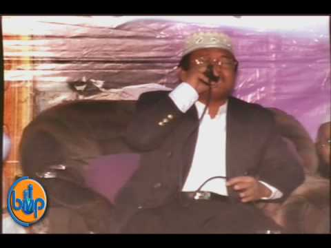 Incredible Quran Recitation Shaikh Muammar ZA in Jamia Binoria 2009 Part 01