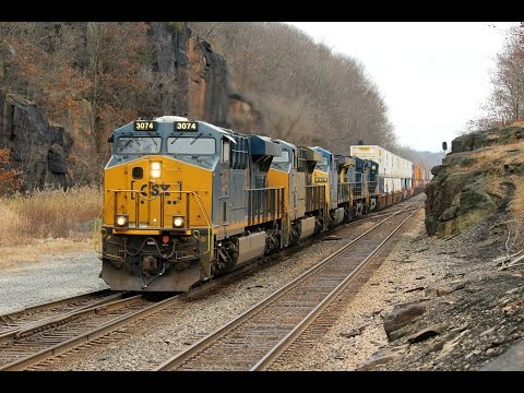 Post Turkey Day Madness on the Chicago Line Ft UP Tier 4 Genset's, Roaring EMD's, and More! Nightcap