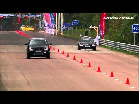 Audi R8 V10 VS Jeep grand cherokee  SRT8