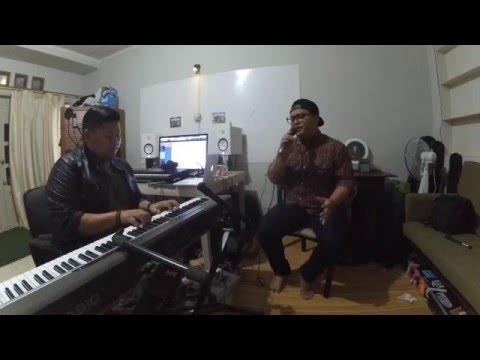 download lagu Sandy Sandoro - Malam Biru Cover By D.U.A gratis