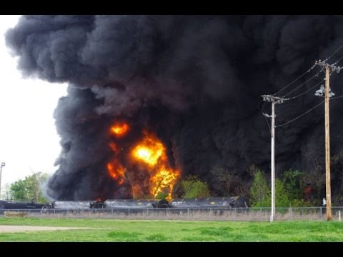 Bomb Train Carrying Fracked Gas Explodes In Virginia - Steve Horn Discusses