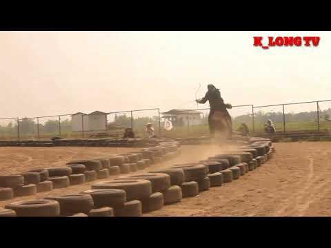 Latihan memanah dan berkuda santri Al Fatah Temboro