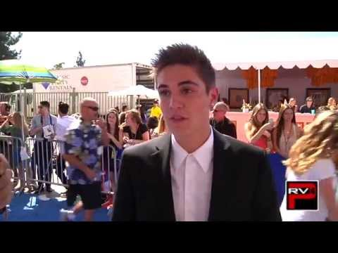 Sam Wilkinson Dates His Fans, How To Get His Attention + He Supports Jack & Jack!
