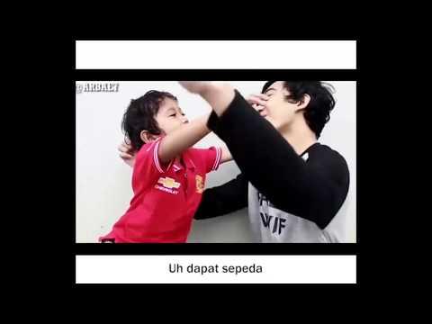 GOKIL!!! Video Paling Lucu Kakak Dan Adik