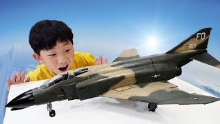 Airplane Toy Assembly & Aircraft Coloring Toys Pretend Play