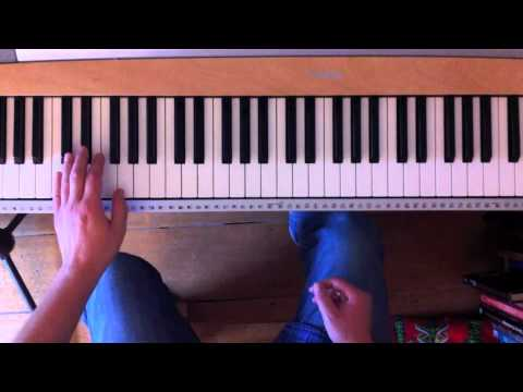 how to play stride piano