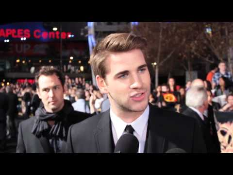 100 Days of Hunger Games Red Carpet With: Josh Hutcherson, Liam Hemsworth, and Gary Ross