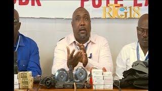 VIDEO: Komisyon nasyonal pou dezame a prezante zam ak minisyon ilegal yon sitwayen remèt komisyon an