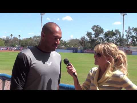 Vernon Wells on The Kid & Aaron Hill Video
