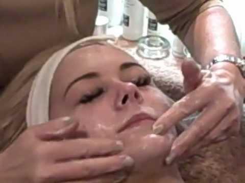 Skincare: Acne advice Specialist Acne Treatment Glycolic