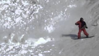 Камчатский заяц против снежной лавины! The Hare Runs Through The Avalanche!