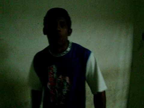 """Alfenas Hoje. rapaz canta """"rap"""" apos ser detido por furto."""