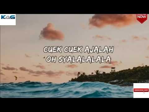 Viral DJ Qhelfin Happy Happy Ajalah Ft Gafar LyricsLyric Video