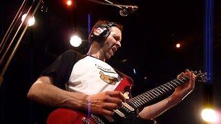 """Paul Gilbert - ソロギター(オケ無)による""""Technical Difficulties""""のライブ映像を公開 thm Music info Clip"""