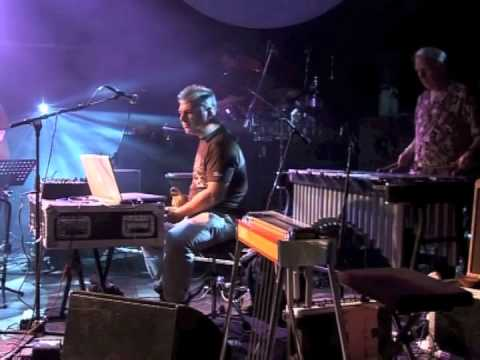 Chilled By Nature - 'Rolling' live at The Big Chill 2007