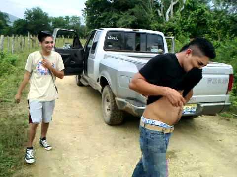 Chuyito Bien Pedo Con Pura Leche Caliente..... video