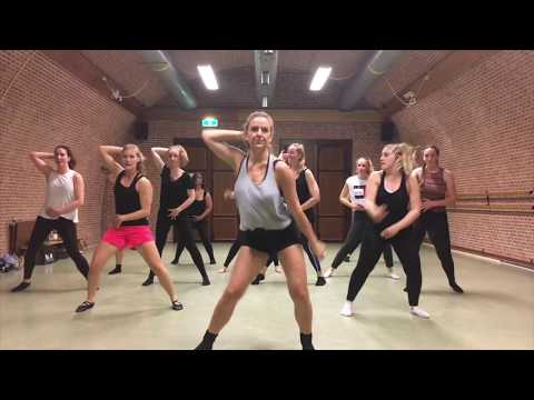 PUUR by Dinne Groothuis: Bonnie Tyler - Holding out for a hero   Broadway Jazz Choreography