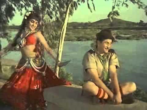Sheekha Nanhi Sabak Tune sapno Ka Saudagar 1968.flv video
