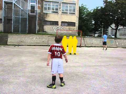 Bportal ba Kenan Vrabac 5 years old Bosnian football talent