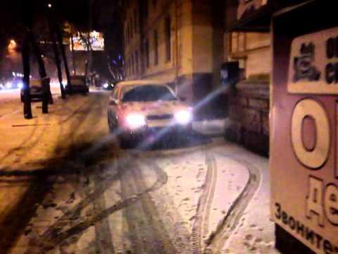 Таран пешехода на тротуаре