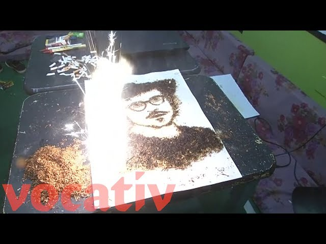 Egyptian Artist Makes Portraits With Tobacco and Gunpowder
