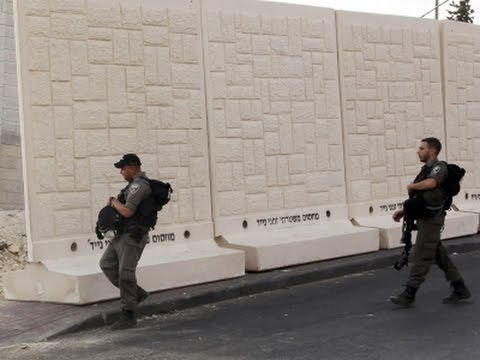 As Mideast Tensions Rise, Israel Erects Barrier