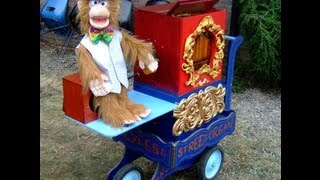 """Mr Monkey"" Talking Organ Grinder Entertains Public (British comedy!)"