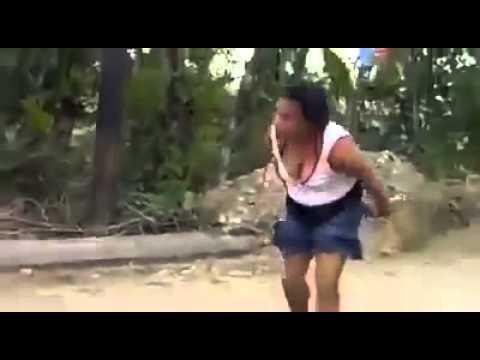 Pelea De Marido y Mujer Dominicanos Mire Que Show