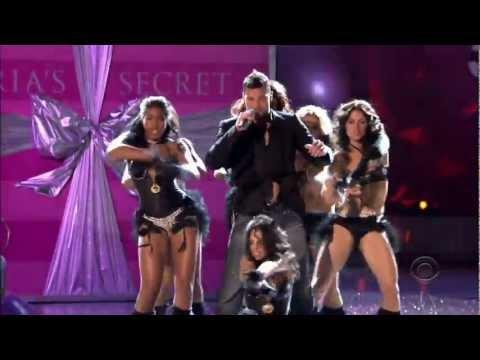 Ricky Martin  Drop It On Me  at Victorias Secret 1080p HD