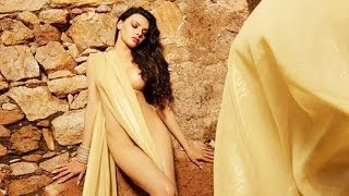 Is Sherlyn Chopra trying to wear a saree