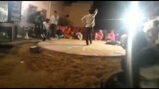 Funny dance on Rajasthani song