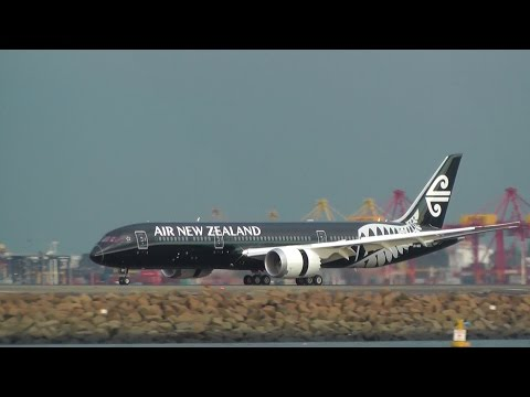 Air New Zealand 787-9 Landing at Sydney Airport