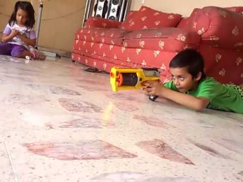 Juegos con pistolas nerf