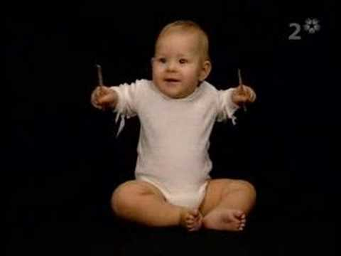 justin bieber as a baby playing drums. A aby quot;playingquot; the drums.