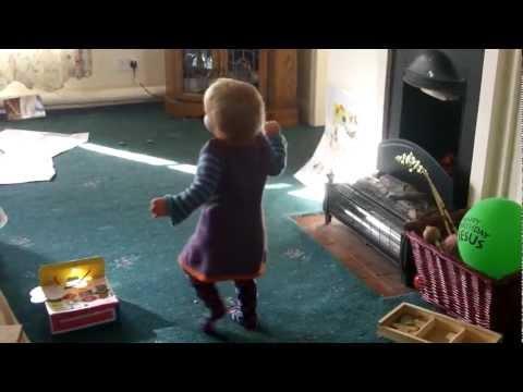 Amelie Decides to start Walking!