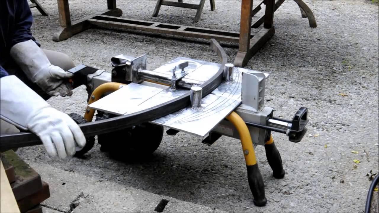Cintreuse artisanale avec fendeur de b ches youtube for Fabrication presse hydraulique maison