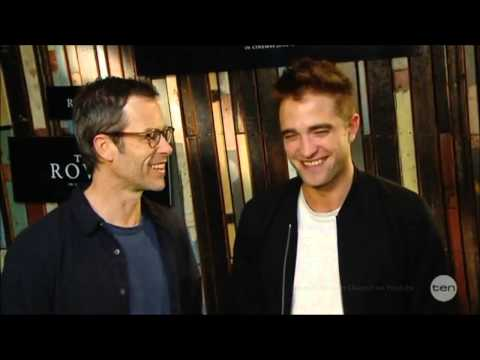 FUNNY Robert Pattinson w/ Guy Pearce