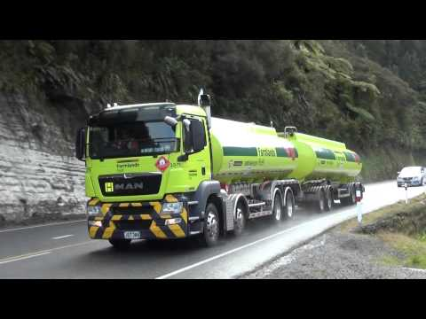 Trucks New Zealand on Mt Messenger